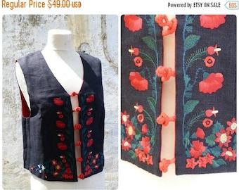 ON SALE Vintage 1970/70s German / Austrian/TyrolFolk vest Bolero top size S/M