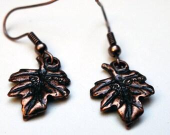 Grisette, oak leaf earrings