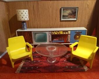 """Debbie's Dream House 2 Three Leg Chairs 3/4"""" Scale"""