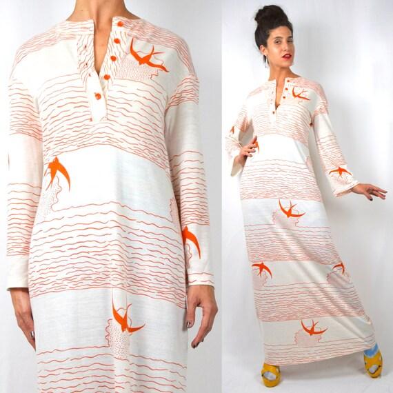 Vintage 70s Birds Flying High Novelty Print Henley Lounge Dress (size small, medium)