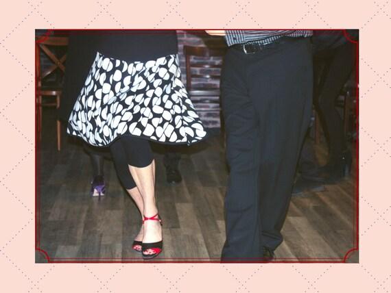 Skirt dancer black and white pattern chart. Size 42 Tango skirt