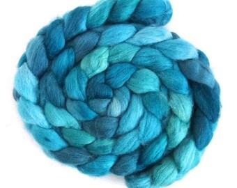 Aqua, Shetland Roving - Handpainted Spinning or Felting Fiber
