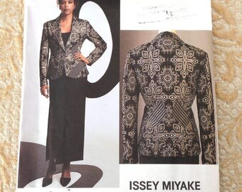 Issey Miyake Vogue Designer Original Pattern 2768 FF 2002 Jacket, Skirt, Advanced, 12-14-16
