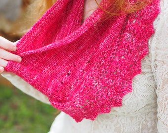Hand knitting cowl pattern- Lace and Creme