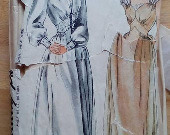 "1940s Nightgown & Negligee - 32"" Bust - Simplicity 2235 - Vintage Sewing Pattern"