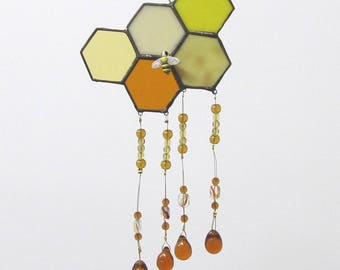honeycomb stained glass sun catcher, stained glass wind chime, beekeeper gift, golden glass beads, honeybee,stained glass honey comb,beehive