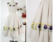 RESERVED ON LAYAWAY Vintage 1950s Mexican Set - Summer 2018 Lookbook - Stunning Lavender-Grey Embroidered Two Piece 50s Circle Skirt Set