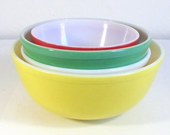 Vintage Pyrex Bowls, Set of 4 Yellow Green Red, and Orange Primary Colors Retro Kitchen Vintage Mixing Bowls  Vintage Kitchen Decor