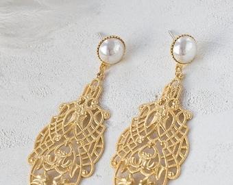 On Sale 40% off, Joan Earrings, wedding bridal pearl posts