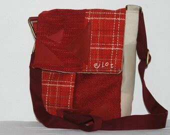 Unisex red and beige shoulder bag