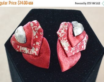 """On sale Pretty Vintage Red, Gold """"Friendly Plastic"""" Heart Pierced Earrings, Valentine's Day (I13)"""