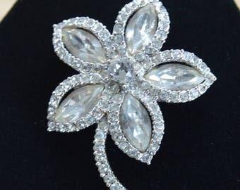 On sale Pretty Vintage Rhinestone Floral Brooch, Pin (J10)