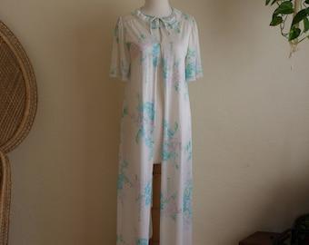 Vintage floral moo moo house dress