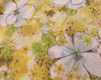 Retro Fabric by the Yard, Vintage Fabric , Craft Fabric, Vintage Sheet Fabric,  Vintage Cotton Fabric yard, Vintage Remnant, Sheet remnant