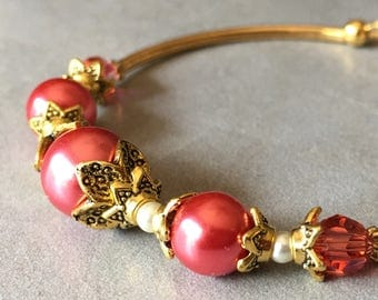 Coral Pearl Bracelet in Antiqued Gold, Coral Bridesmaid Jewelry, Summer Wedding Accessories, Maid of Honor Gift, Guava,