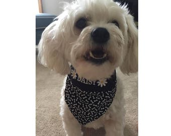 Personalized Pet Bandana embroidered with your dog's name - fabric filled with bones - Slips over collar