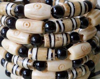 One Wrap bracelet - Bone beads and black glass beads - Boho chic - Bohemian jewelry - Memory wire - bycat