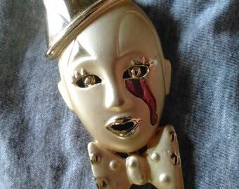 Tear Drop Clown Face Brooch Figural Clowns Face pin Gold tone