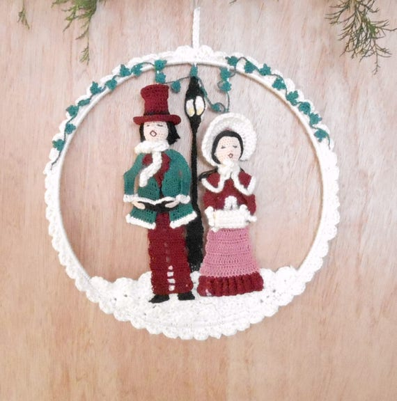 Victorian Christmas Carolers Decorations: Christmas Carolers Wall Hanging Pattern, Christmas Holiday