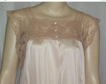 ON SALE Vintage Henson Kickernick Nylon Peignoir Set Nightgown Robe Nightie Small