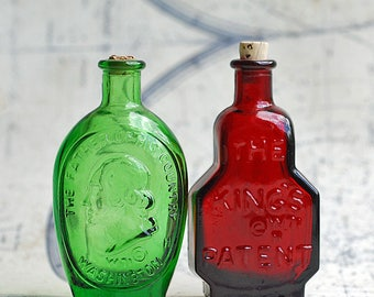 beautiful miniature bottle, from an estate sale,Home decor, collectibles, Photo PROP, coolvintage, UA