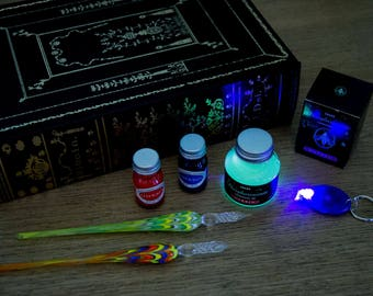 Cheshire Cat Madness Glowy Ink Writing & Drawing Set - Phosphorescent Ink