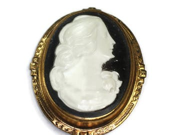 Black and White Resin Cameo Brooch Fancy Stamped Frame Antique Vintage