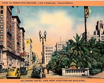 Vintage California Postcard - Pershing Square, Los Angeles (Unused)
