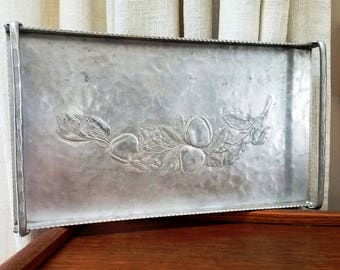 Vintage Aluminum Tray Hand Forged Handled Serving Tray Tomato Pattern Fruit Hammered Everlast #5020