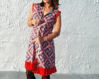 25% OFF SALE SALE Vintage 1970s Americana Red White and Blue Shift Dress Reversible House Dress Muumuu M/L
