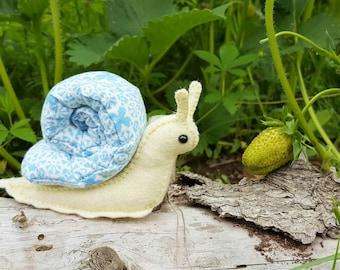 Woodland Stuffed Snail PDF Pattern * Printable Stuffed Animal Sewing Pattern * Felt Animal Snail Plush Craft Activity