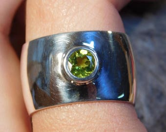 13mm Wide Low dome Sterling Silver Ring with 6mm Round Peridot RF928