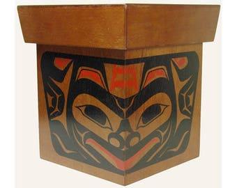 Vintage HAIDA Cedar Wood Box - Painted Northwest Native Indian - Bear Crest
