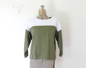 ON SALE Vintage Cropped Sweatshirt / 1980s Hunter Green Cropped Knit Sweater