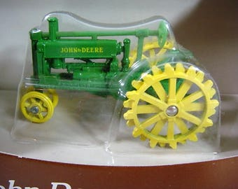 John Deere 1934 Model A Tractor 1/43 Scale Toy Tractor