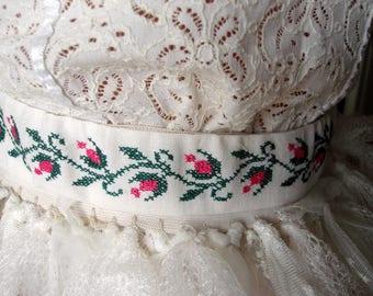 Vintage linen cross stitched sash belt, Embroidered belt Cross Stitched Flower and Leaf Pink Green
