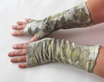 Hand Felted Mittens, beige Green fingerless gloves, Wool gloves, Brown, Winter gift, Warm mitts, botanical print gloves