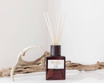 Reed Diffuser Oil Set - Woodfire Winter Season Room Diffuser Oil in Decorative Brown Square Vase, Natural Dyed Reeds and Packed in Kraft Box