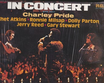 1975 RCA Records In Concert LP 2 Set Music Record Grand Old Opry Charley Pride Dolly Parton Ronnie Milsap Chet Atkins Jerry Reed