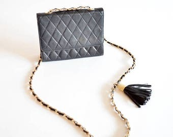 25% off Storewide // Vintage 1980s QUILTED leather chain purse