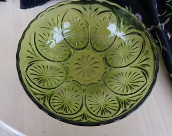 Bowl. Vintage Anchor Hocking Green Deep Dish Pressed Glass Avocado Green color  Cameo and Stars design Perfect Condition