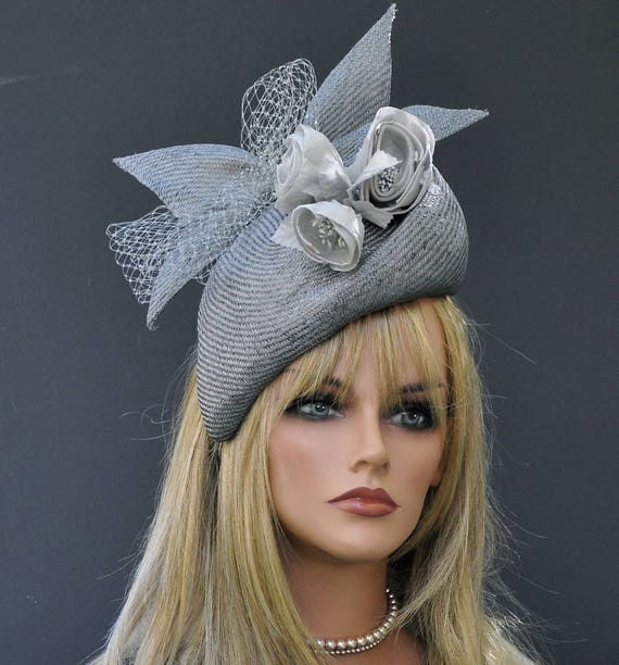 Fascinator Wedding Hat Derby Hat Percher Melbourne Cup Hat Kate Middleton Hat Cocktail Hat Dressy Hat Formal Hat Event Occasion Hat Gray Hat