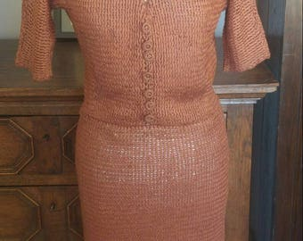 1950s 1940s vintage copper brown ribbon knit wiggle dress with collar and buttons