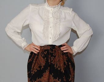 1970s lace jabot blouse / cream white poet blouse / scalloped lace collar and sleeves blouse / s / m