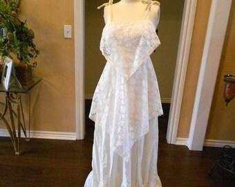 ON SALE NOW Reduced! 70s Bohemian Wedding Dress / Nwt 1970s Hippie Dress / Maxi Hankie Lace Dress / Size 6