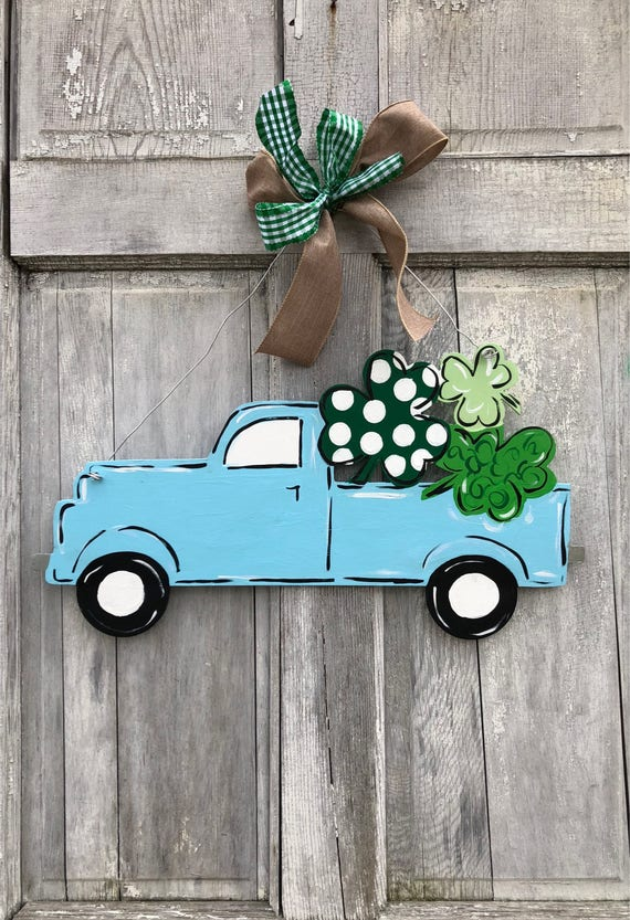 St Patricks Day door hanger, Spring truck door hanger, Shamrock door hanger, personalized, spring door hanger, Irish Door decor, Luck