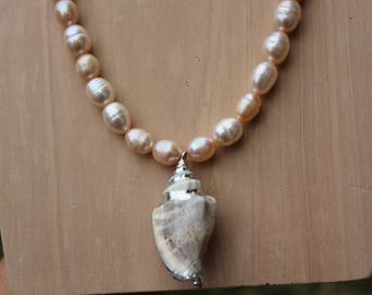 Shell Necklace with Freshwater Pearls