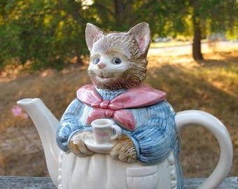 Shabby Chic Kawaii Kitty Love Hand Painted TeaPot By Otagiri Circa 1980s In Fabulous Condition