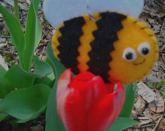 Cheerful Little Bee Felt Ornament
