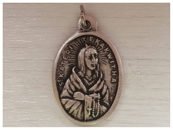 5 Patron Saint Medal Findings, St. Kateri Tekawitha, Die Cast Silverplate, Silver Color, Oxidized Metal, Made in Italy, RM308